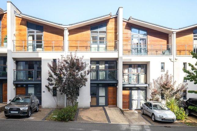 Thumbnail Detached house to rent in Scott Avenue, London
