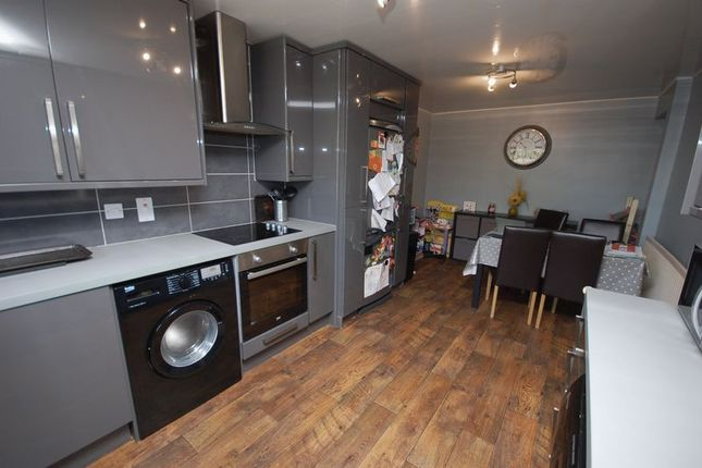 Dining Kitchen of Hadrian Court, Killingworth, Newcastle Upon Tyne NE12