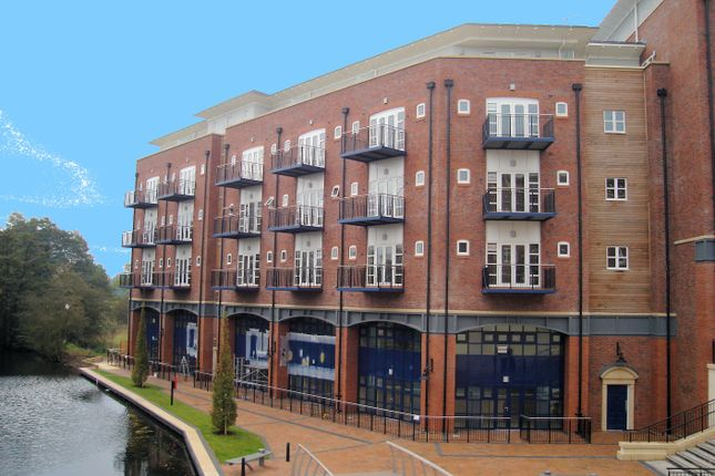 Thumbnail Flat to rent in Waterside Heights, Dickens Heath, Solihull