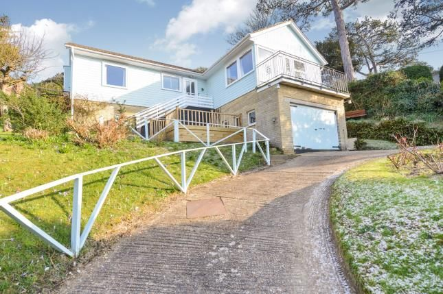 Thumbnail Detached house for sale in Cliff Road, Totland Bay