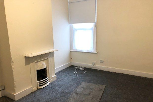 1 bed flat to rent in Mildmay Road, Romford RM7