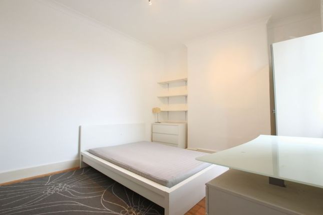 Thumbnail Flat to rent in The Highway, London