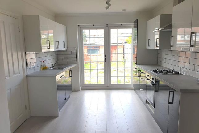 Thumbnail Terraced house to rent in Sunnycroft Road, Southall