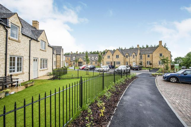 Thumbnail Flat for sale in Hawkesbury Place, Fosseway, Stow On The Wold