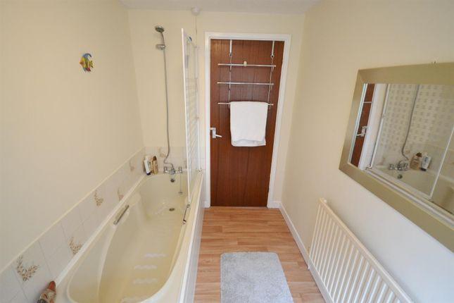 Bathroom (2) of Laws Street, Pembroke Dock SA72