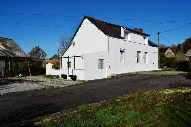 Thumbnail Detached house for sale in 29270 Cléden-Poher, Finistère, Brittany, France