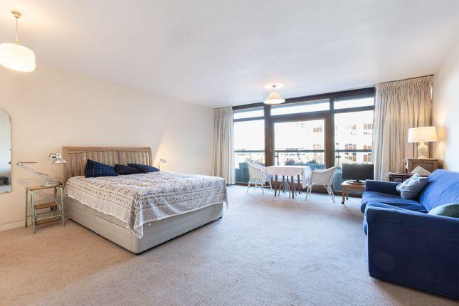 Studio to rent in Barbican, London EC2Y