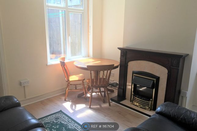 3 bed semi-detached house to rent in Bankside, Chelmsford CM1