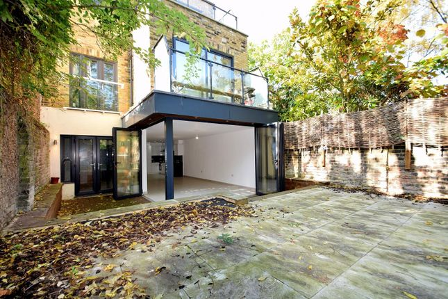 Thumbnail Flat to rent in Lordship Road, London
