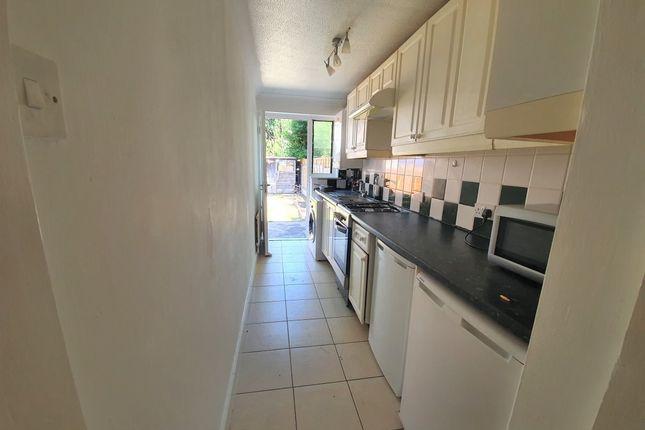 Thumbnail Flat to rent in Kensington Gardens, Cranbrook, Ilford