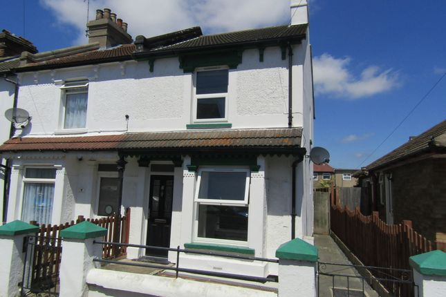 Thumbnail End terrace house to rent in Cambridge Road, Clacton-On-Sea