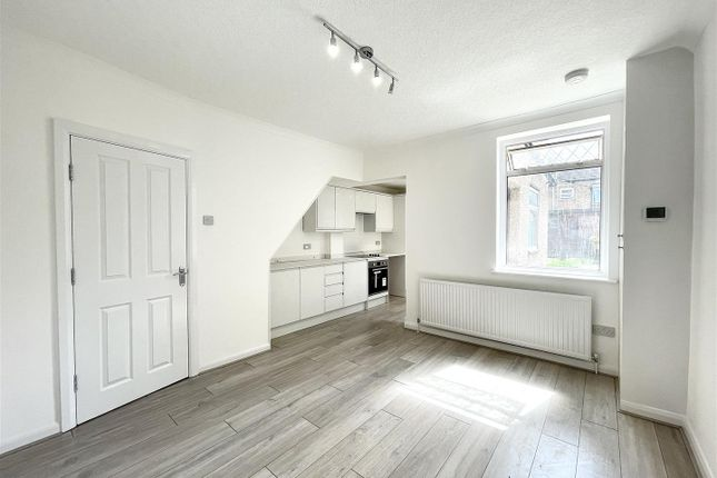 Property to rent in Cheddington Road, Edmonton