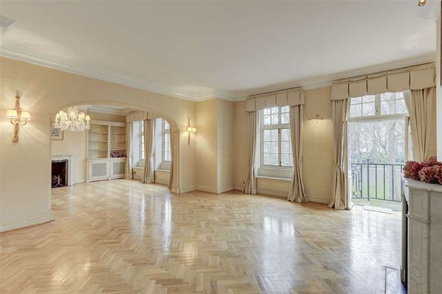 Thumbnail Flat for sale in Hanover House, London