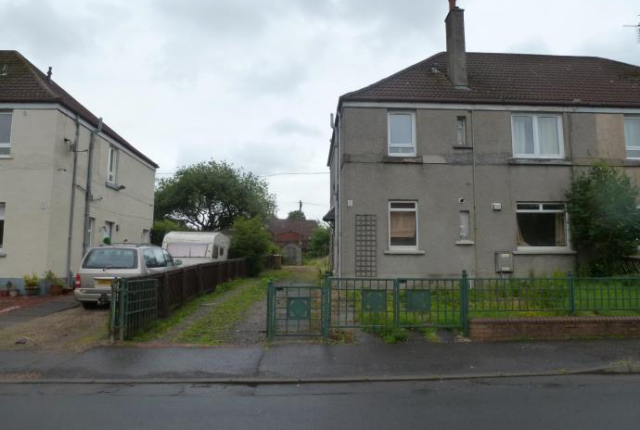 Thumbnail Flat to rent in Park Avenue, Beith