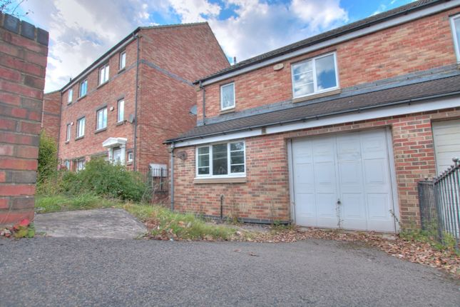 3 bed flat to rent in Village Heights, Gateshead NE8