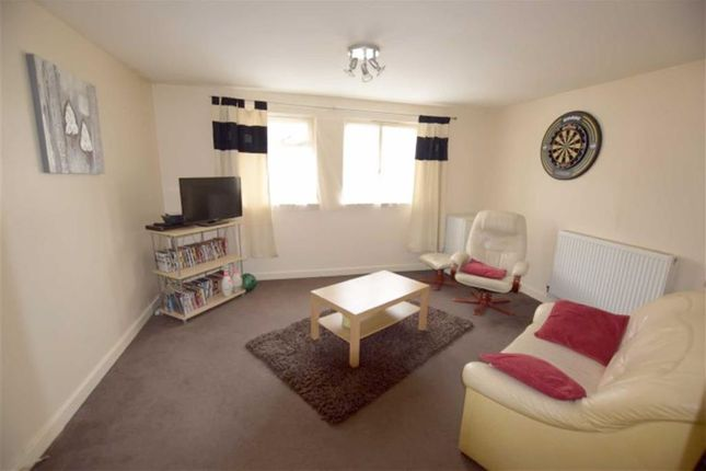 Thumbnail Flat for sale in Great Ranton, Basildon, Essex