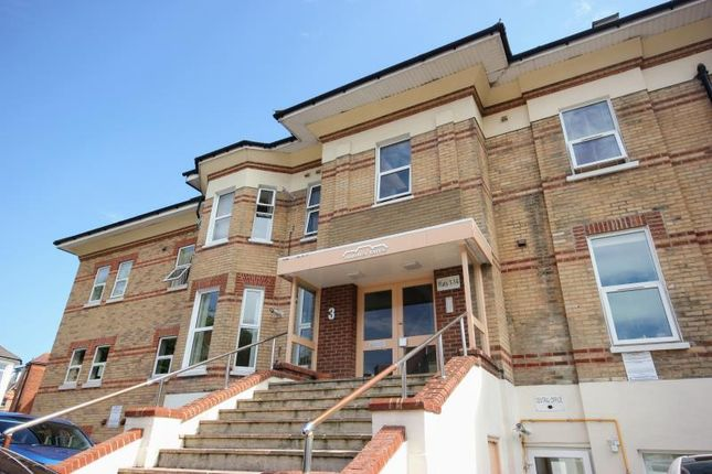 Flat to rent in Lorne Park Road, Bournemouth
