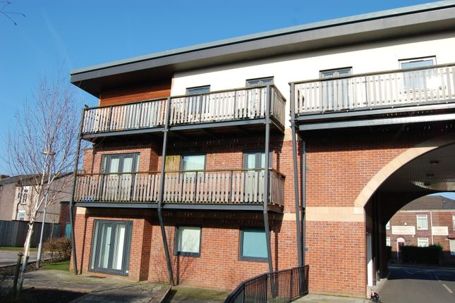 Thumbnail Flat to rent in Canalside, Radcliffe, Manchester