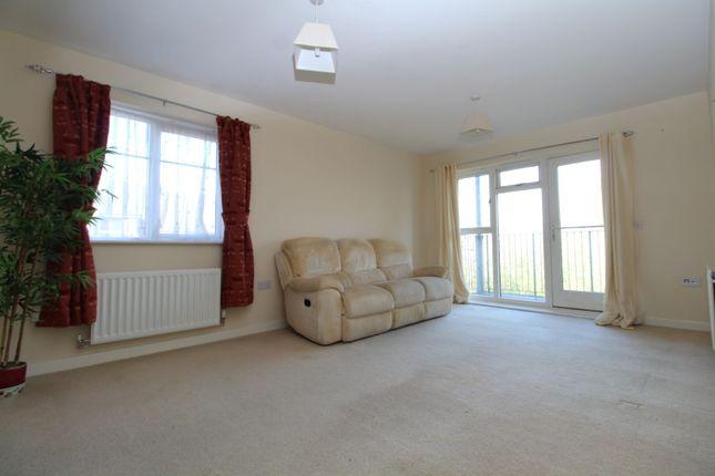 Lounge of Millward Drive, Bletchley, Milton Keynes MK2