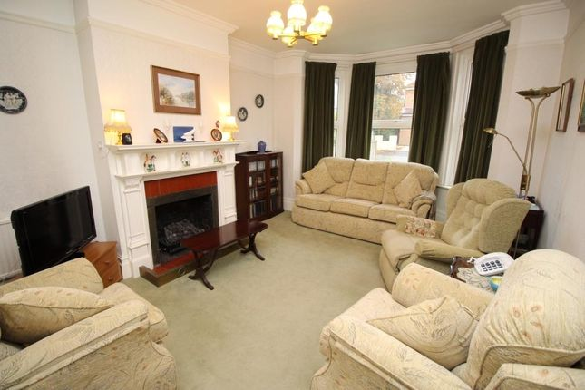 Living Room of Warwick Road, Reading RG2