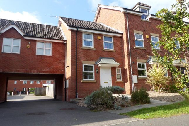 Thumbnail Town house to rent in Broadlands Close, Sutton-In-Ashfield