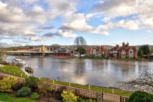 Thumbnail Flat to rent in Riverside, Marlow