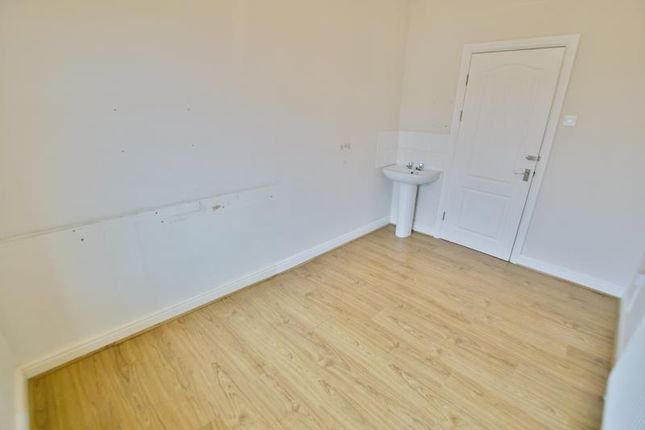 Room 1 of Dyche Lane, Coal Aston, Dronfield S18