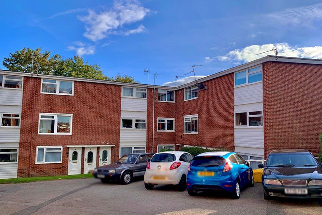 2 bed flat for sale in Melrose Avenue, Penylan, Cardiff CF23