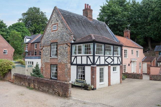 Thumbnail Link-detached house for sale in High Street, Coltishall, Norwich