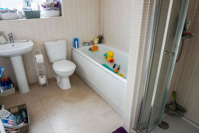 Family Bathroom of Jenham Drive, Sileby, Loughborough LE12