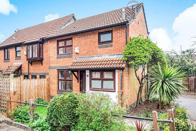 1 bed property for sale in Grovelands Close, London SE5