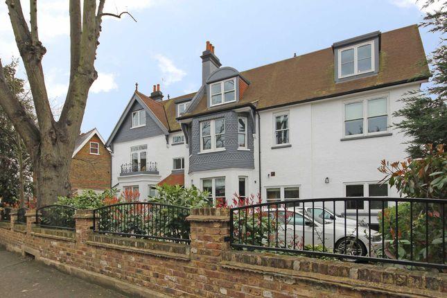 Thumbnail Flat to rent in Creffield Road, London