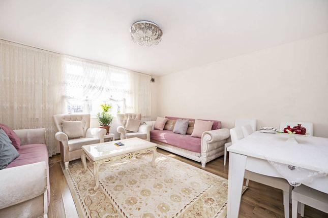 3 bed flat for sale in Homerton High Street, Hackney, London E9