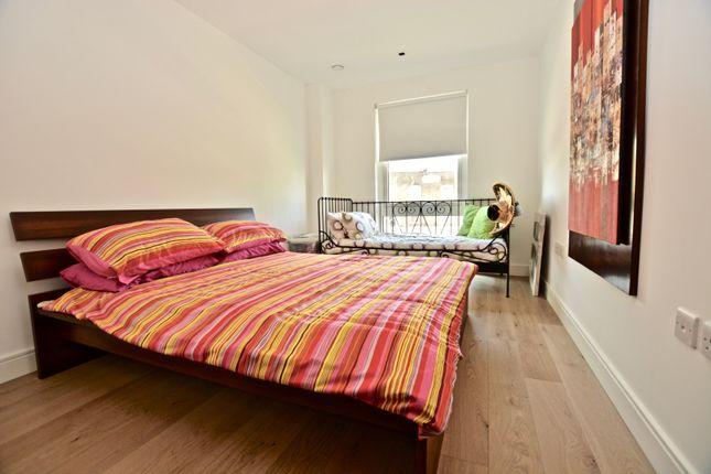 Bedroom of 8 Kew Bridge Road, Brentford TW8