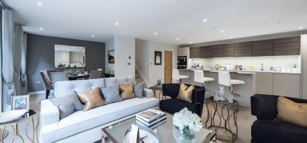 Thumbnail Flat for sale in Finchley Road, Hampstead, London