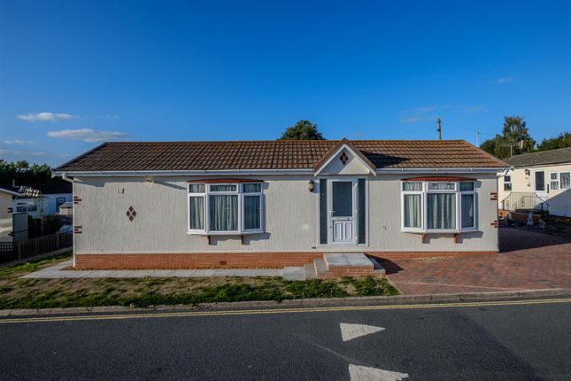 Thumbnail Mobile/park home for sale in Howey, Llandrindod Wells