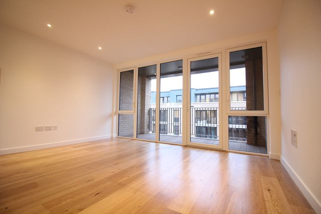 Thumbnail Flat to rent in Pemberton House, Hanwell