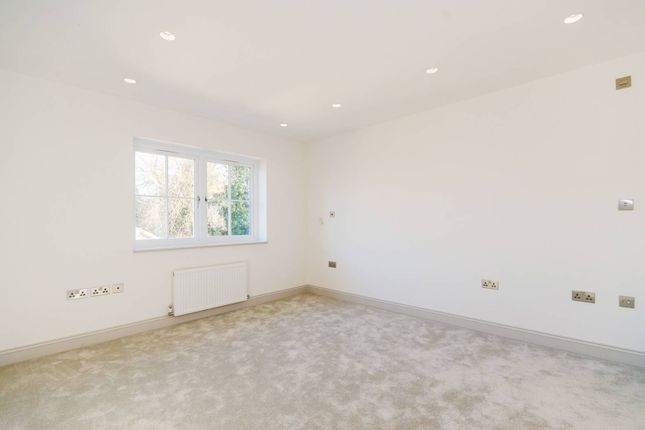 Thumbnail Property to rent in Lambourne Place, Ickenham