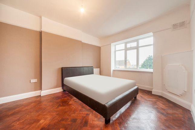 Thumbnail Flat to rent in Fernhill Court, London