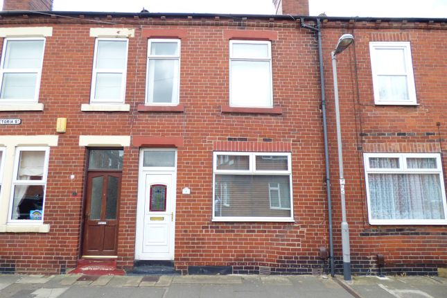 2 bed terraced house to rent in Pretoria Street, Castleford WF10