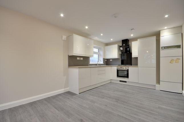 Flat to rent in Ickenham, Uxbridge