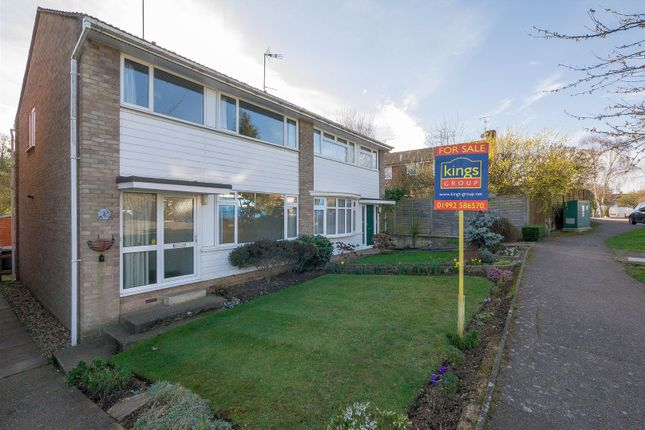 Thumbnail Property for sale in Brookside, Hertford
