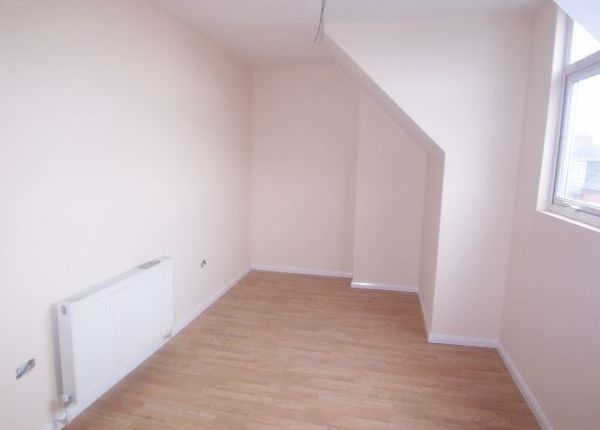 Thumbnail Flat to rent in Chaucer Street, Mansfield, Nottinghamshire