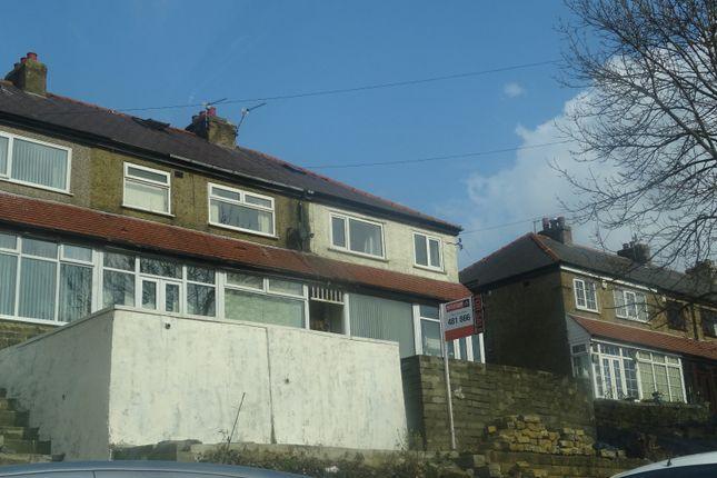 Thumbnail Town house for sale in Hazelhurst Brow, Bradford