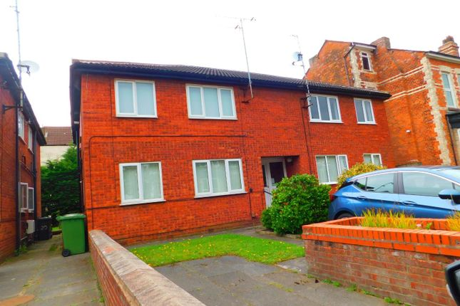 Thumbnail Flat to rent in 18 Courtenay Road, Waterloo, Liverpool