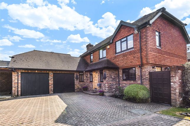 Thumbnail Detached house for sale in Bay Tree Close, Bromley