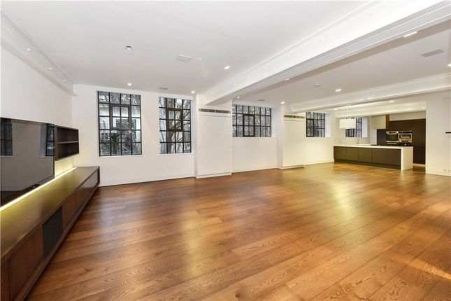 Thumbnail Flat for sale in Frederick Close, London