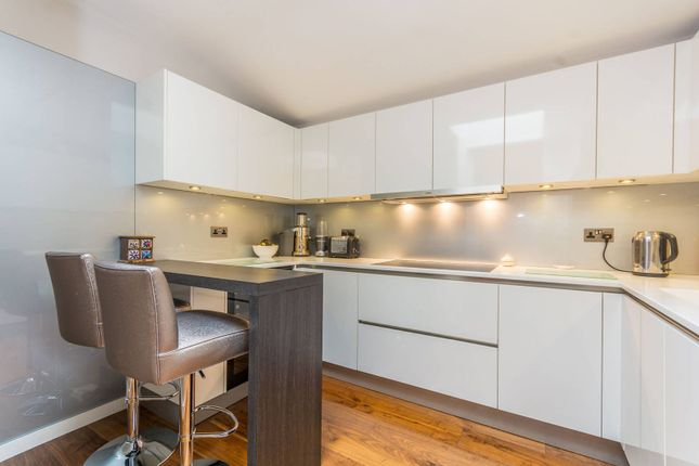 Thumbnail Flat to rent in Harley Street, Marylebone, London