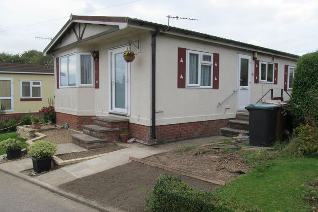 Thumbnail Mobile/park home for sale in Bedmond Road, Abbots Langley, Hertfordshire