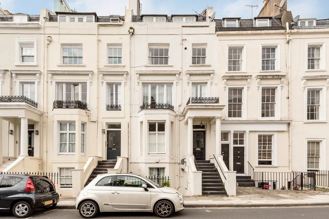 Thumbnail Flat to rent in Alma Square, London